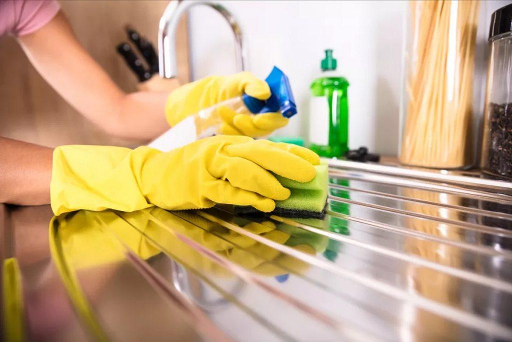 تمیز کردن سینک ظرفشویی