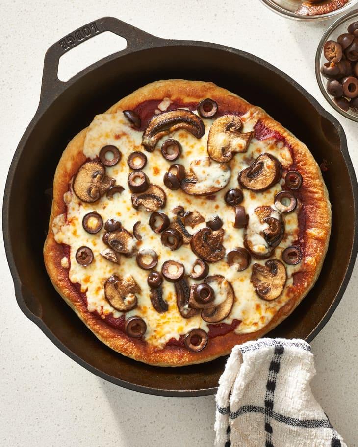 طرز تهیه پیتزا روی تابه