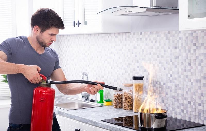 جلوگیری از آتش سوزی در آشپزخانه