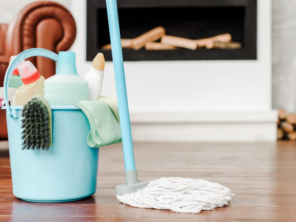 تمیز کردن خانه برای عید