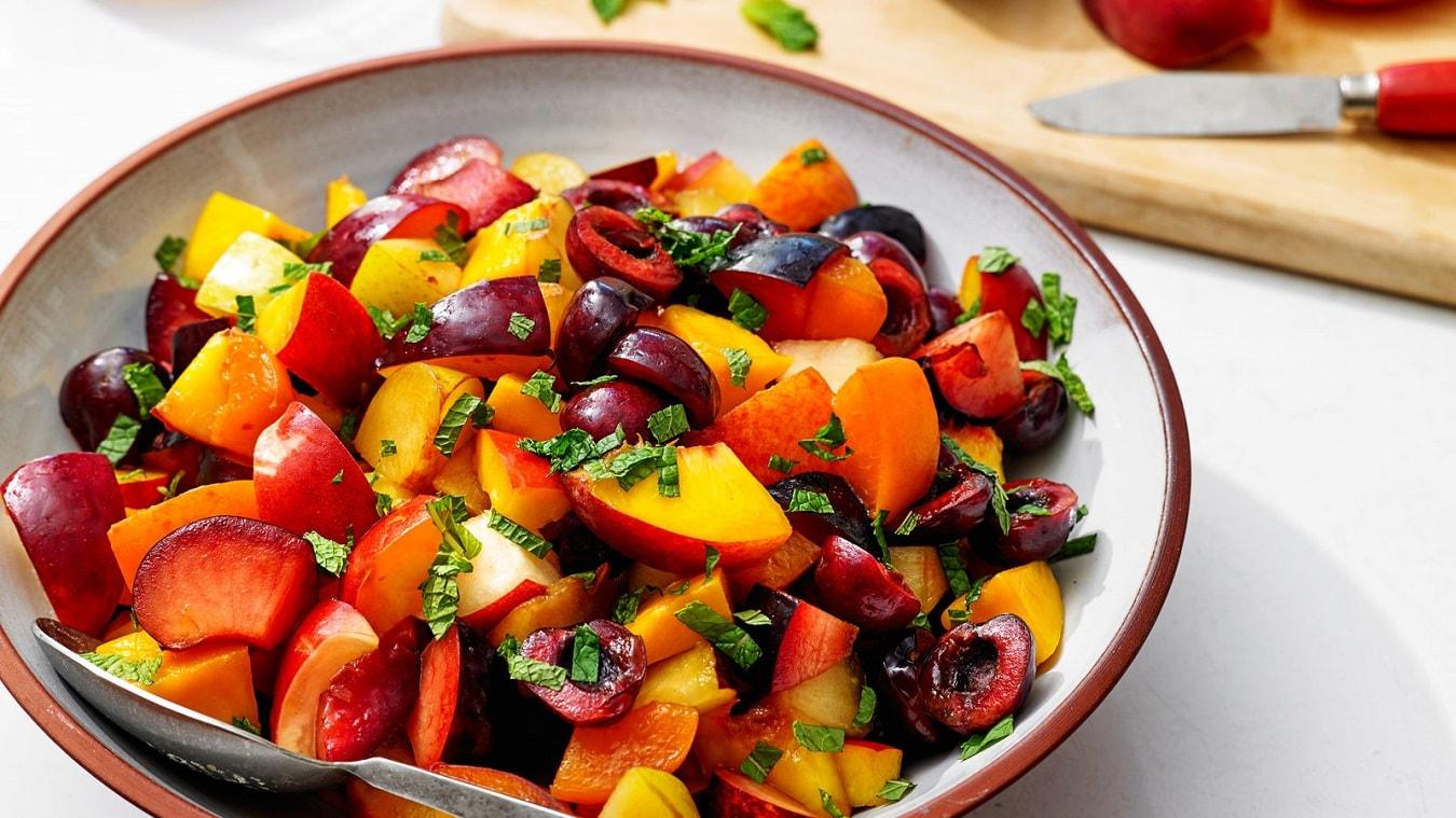 سالاد میوه برای صبحانه