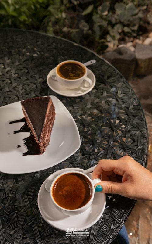 سفارش قهوه از کافه