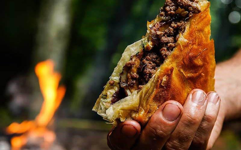 طرز تهیه بورک با گوشت و قارچ