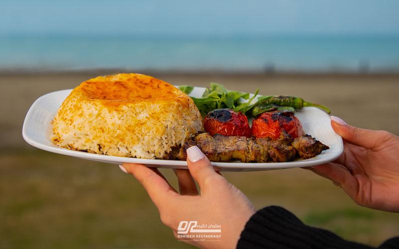 رستوران با غذای محلی در شمال